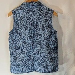 casual corner annex Tops - Casual Corner Sleeveless Light Denim Shirt sz 12